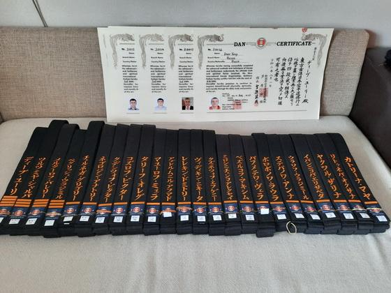 Прибыли чёрные пояса из Японии